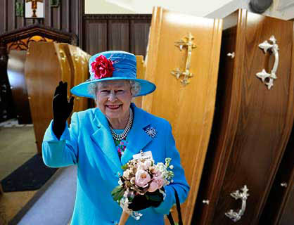 Queen visits coffin store